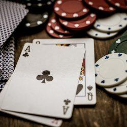 Smart Basic Strategy of Hold'em Poker vs Omaha Poker